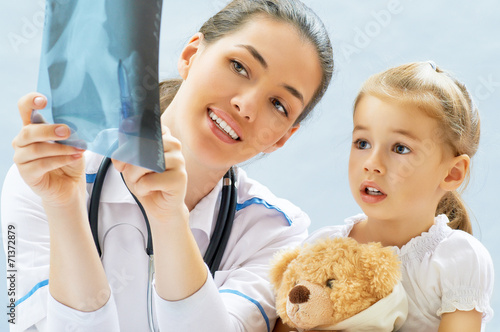 canvas print picture pediatrician