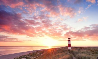 Leuchtturm früh am Morgen