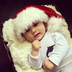 newborn baby at christmas hat
