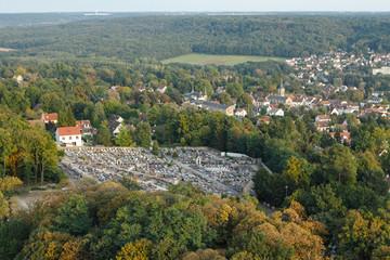 Saint-Chéron cimetière vue du ciel