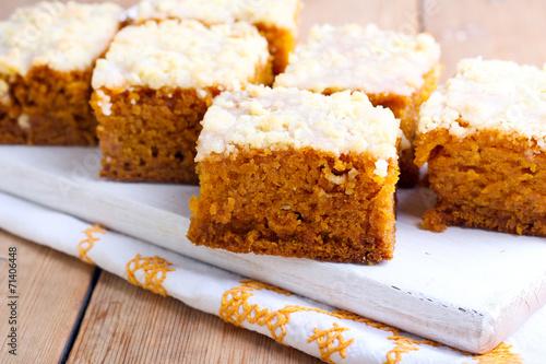 Pumpkin coffee cake - 71406448