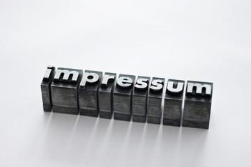 impressum als Bleibuchstaben