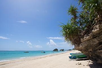 沖縄の海・新原ビーチ(ミーバルビーチ)