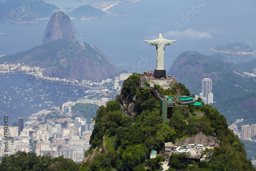 Spoed canvasdoek 2cm dik Luchtfoto Aerial view of Christ Redeemer and Corcovado Mountain