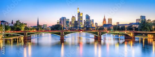 Fotobehang Centraal Europa Frankfurt Panorama bei Nacht