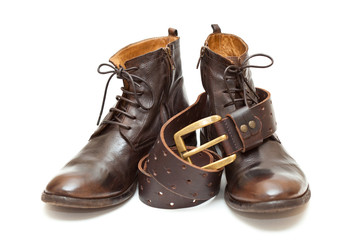 Luxury men's leather shoes and leather belt with buckle