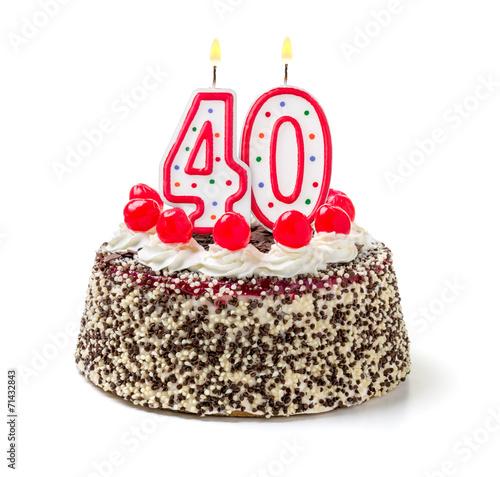 Geburtstagstorte mit brennender Kerze Nummer 40 - 71432843