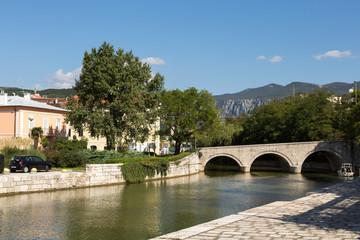 Pont sur la rivière à Crikvenica
