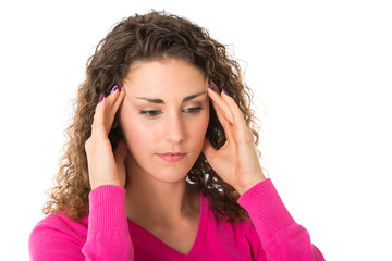 Junge Frau mit Kopfschmerzen