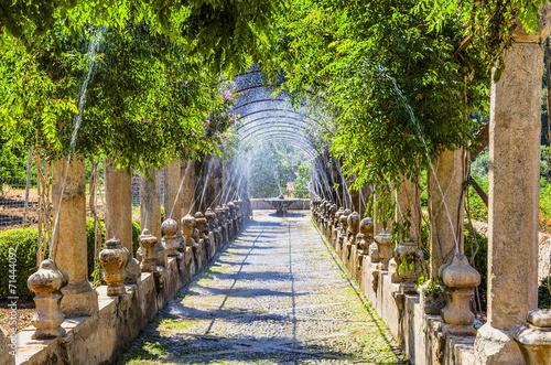 In de dag Fontaine Jardines de Alfabia, Mallorca