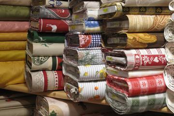 negozio di tovaglie tappeti tessuti articoli per la casa