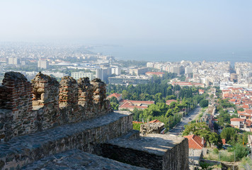 Greece, Thessaloniki, view of the historic center with the castl