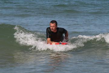 Surfe sur la vague