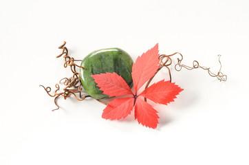 Jade Nephrit Seifenstein mit herbstlicher Dekoration