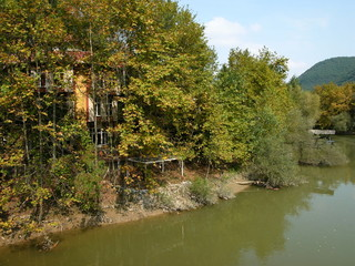 Das Ufer des Sakarya Fluss in Dogancay bei Adapazari