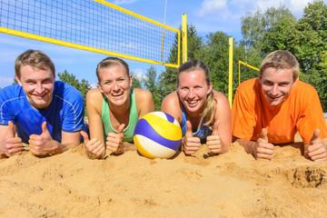 Teamgeist beim Beachvolleyball