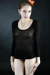 Frau in spanischer Folklore-Kleidung
