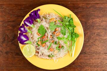 Glass Noodle,Pork,Nut Spicy Salad(Yum Woon Sen)