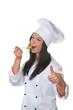 Koch Lehrling probiert das selbstgekochte Gericht