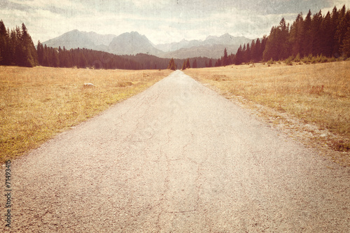 Papiers peints Retro Road towards the mountains - Vintage image