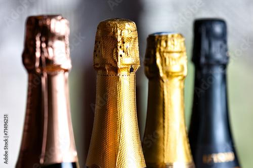 Papiers peints Vin bottles of champagne