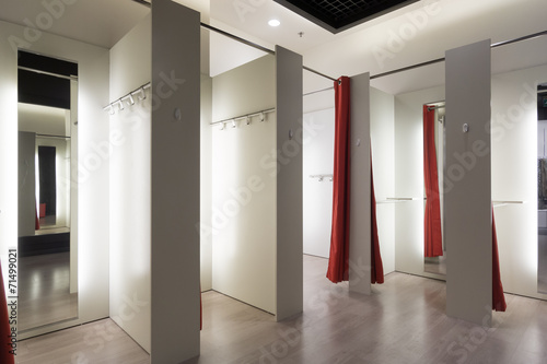 Fitting room interior - 71499021
