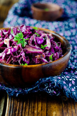 Red cabbage salad with prunes