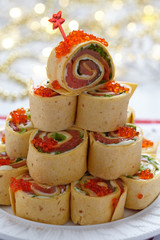 Salmon, cream cheese and iceberg lettuce pinwheels