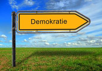 Strassenschild 17 - Demokratie