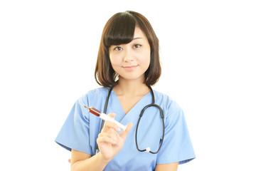 検査中の女医