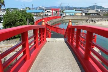 照島神社  朱色の太鼓橋