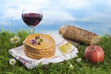du pain du vin et du fromage