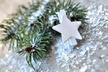 pince avec étoile et paillettes