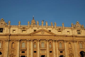 Der Petersdom im Morgenrot