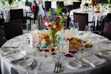 runde tisch in restaurant