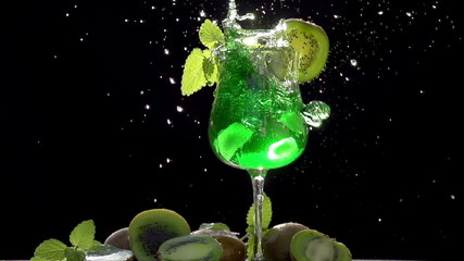 Ice Falls in Cocktail with Kiwi and Mint