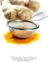 Fresh and ground ginger root spice