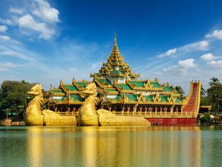 Karaweik Kandawgyi Lake, Yangon, Myanmar