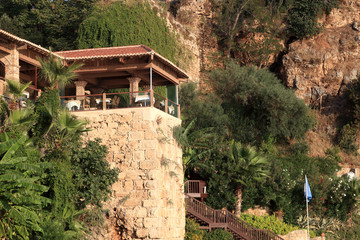 Restaurant on a cliff