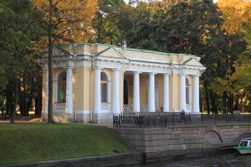 Памятник архитектуры павильон Росси