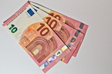 Neuer 10 Euro Schein und seine Merkmale