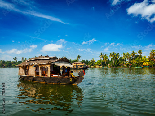 Papiers peints Inde Houseboat on Kerala backwaters, India