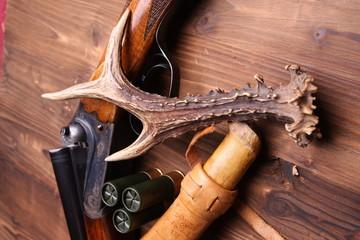 hunting shotguns and knives