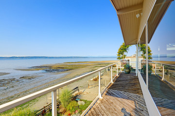 Luxury house with walkout deck and private beach. Puget Sound vi