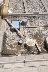 戸建て住宅 基礎ができあがり外構工事イメージ 様々な配管あり
