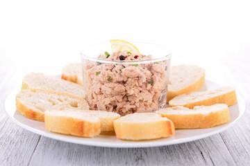 tuna spread and bread