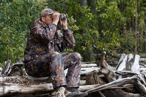 Foto op Aluminium Jacht hunter looks out the game