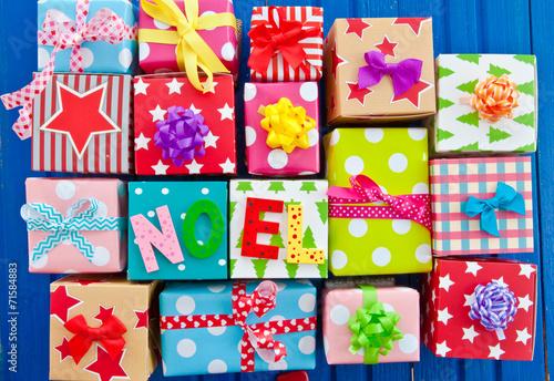 canvas print picture Bunte Geschenke auf Blau