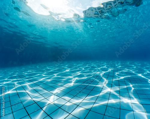 Pool - 71587252