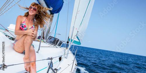 Sail boat - 71588258